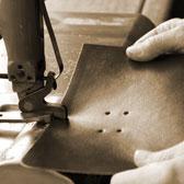 Lederbearbeitung in Handarbeit